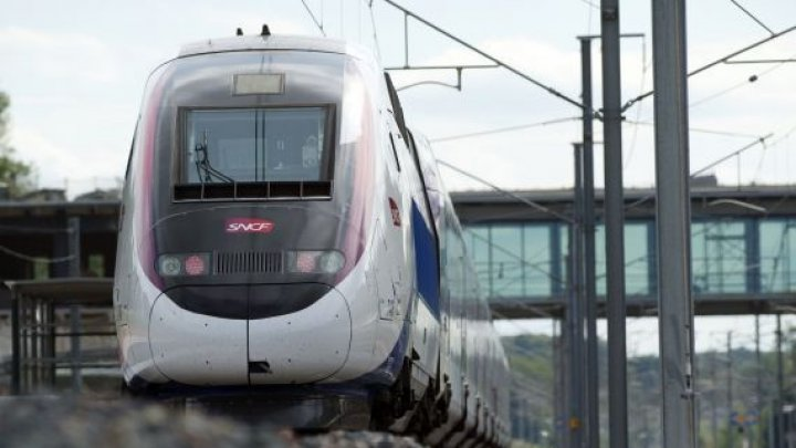 Accident feroviar în Elveția. 27 de persoane au fost rănite, după ce două trenuri s-au lovit