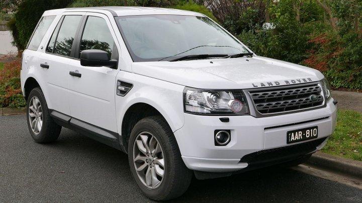 Land Rover dezvoltă o mașină autonomă care se adaptează la condițiile meteo
