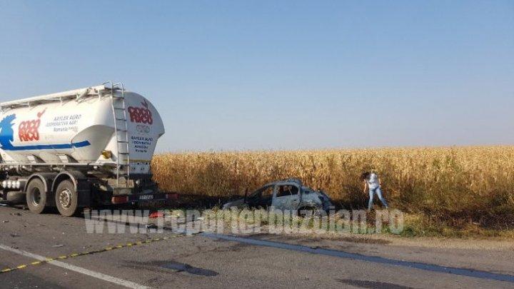 Accident grav între un TIR și două autoturisme. O persoană a murit carbonizată
