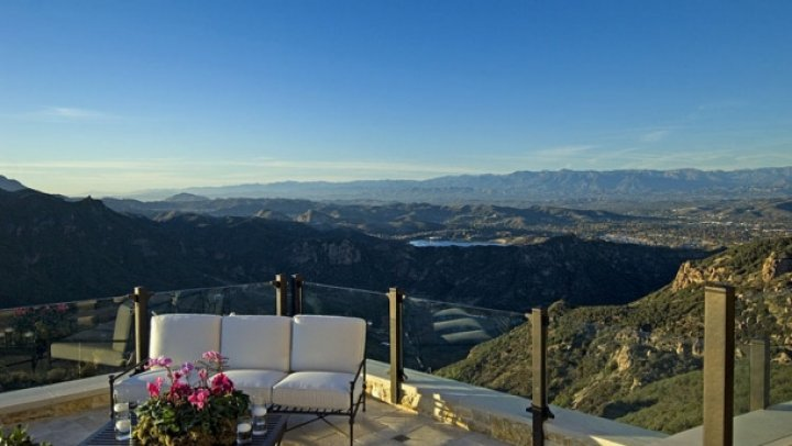 Malibu Rocky Oaks, cea mai căutată podgorie din lume. E UNICĂ şi te face să te simți cu capul în nori (FOTO)