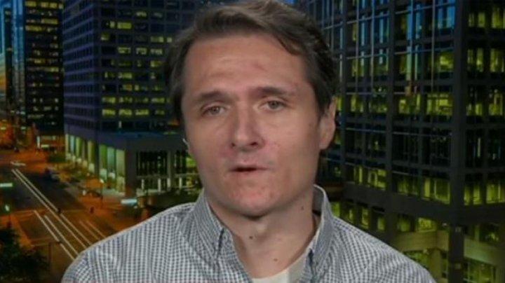Un jurnalist american care a publicat mai multe știri false, a fost găsit mort