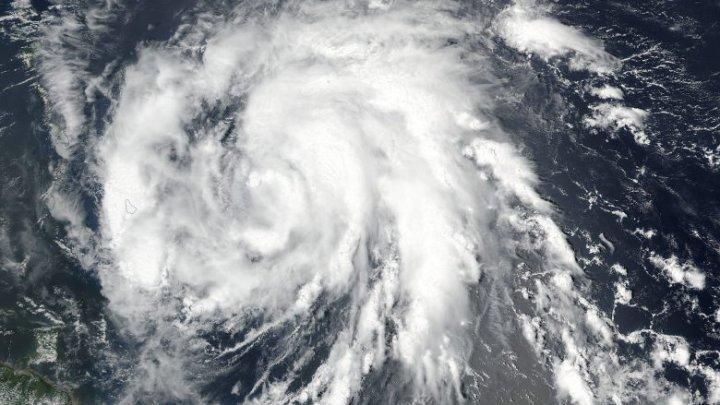 Uraganul Maria pe sfârşite. Va slăbi în intensitate până marți și va deveni o furtună tropicală