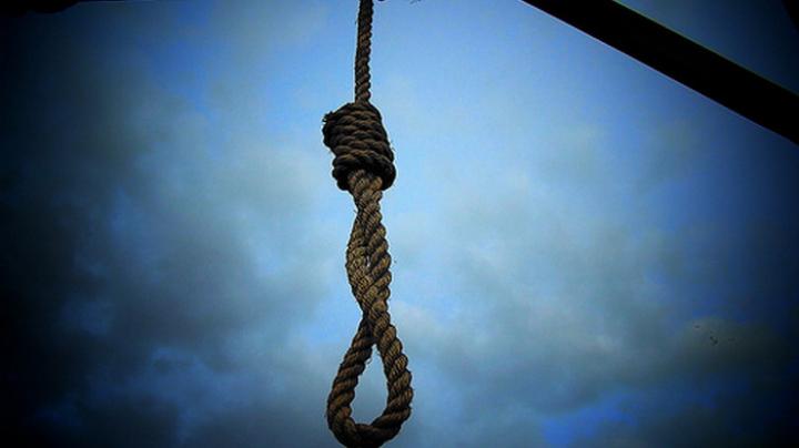 Un tânăr de 18 ani s-a sinucis. Băiatul ar fi picat bacalaureatul