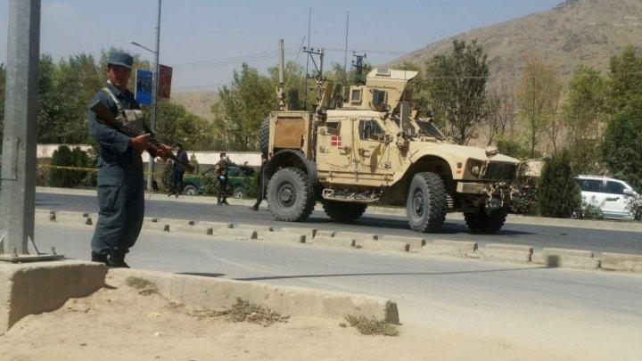 Atac sinucigaș cu bombă împotriva unui convoi NATO într-o provincie din Afganistan