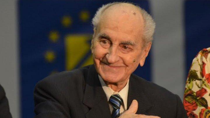 A decedat la vârsta de o sută de ani! Președintele de onoare al PNL, Mircea Ionescu Quintus a încetat din viață, la Ploiești