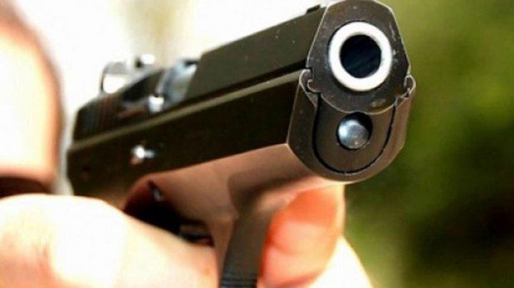 Ce face GELOZIA din bărbați? O femeie a fost împuşcată şi sechestrată în casă de iubitul ei
