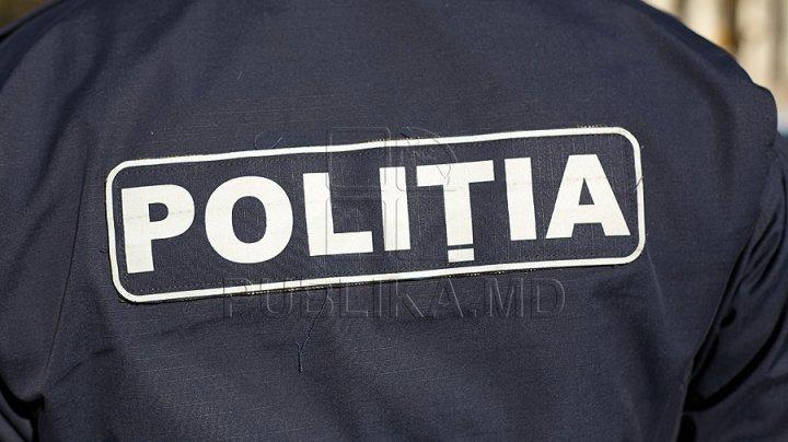 O femeie s-a dat drept polițistă pentru a-și teroriza iubitul. Greu de crezut ce a urmat