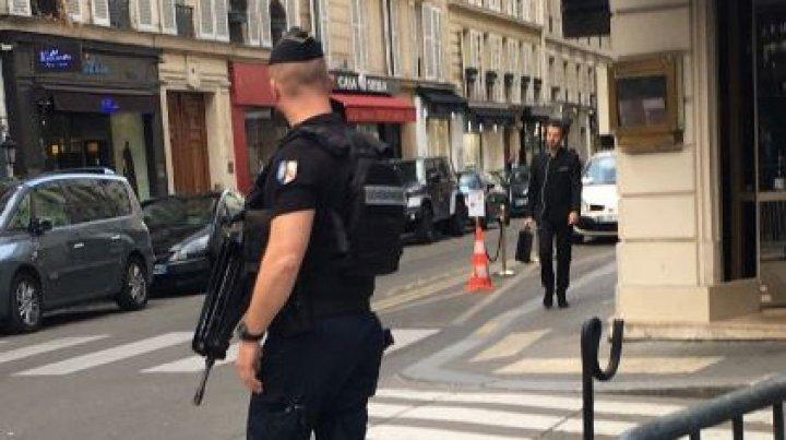 Militar francez, atacat cu un cuţit de un individ pe o stradă din Paris
