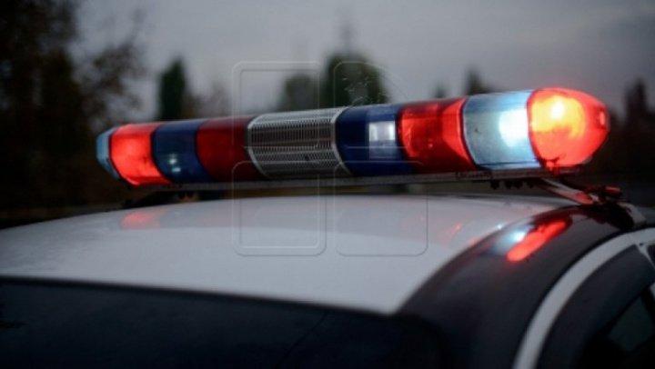 Grav accident la Orhei! O mașină a ieșit pe contrasens și a intrat într-un microbuz de pe ruta Chișinău-Râșcani