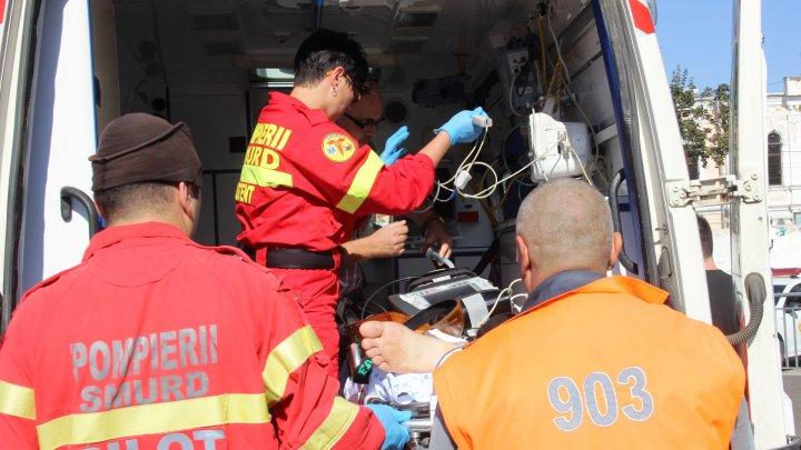 Un bărbat aflat în comă a fost transportat de urgenţă în Chişinău cu un echipaj SMURD Galați