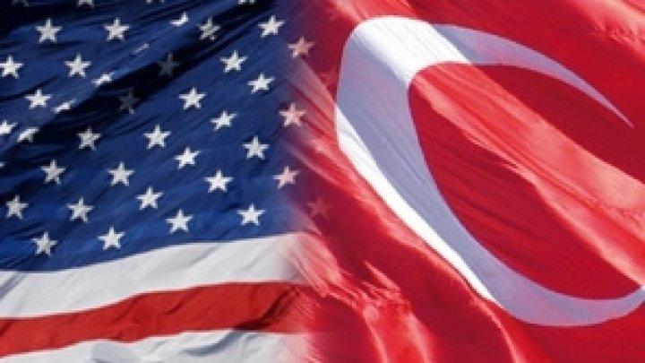 Donald Trump a dublat taxele vamale impuse importurilor de oţel şi aluminiu din Turcia
