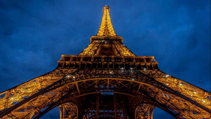 Paris: Turnul Eiffel şi muzeul d'Orsay, închise joi din cauza grevelor