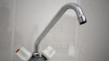 Locuitorii Capitalei vor contracte cu furnizorul de apă.  Care este principalul motiv