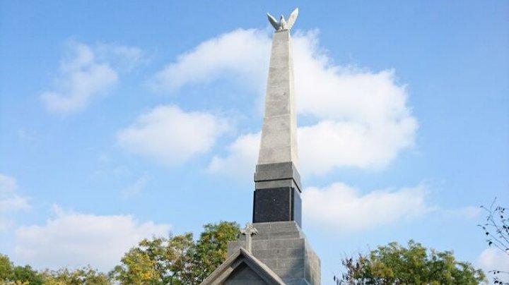 Autoritățile ucrainele din Ismail au reabilitat un monument dedicat soldaților români morți în Primul Război Mondial