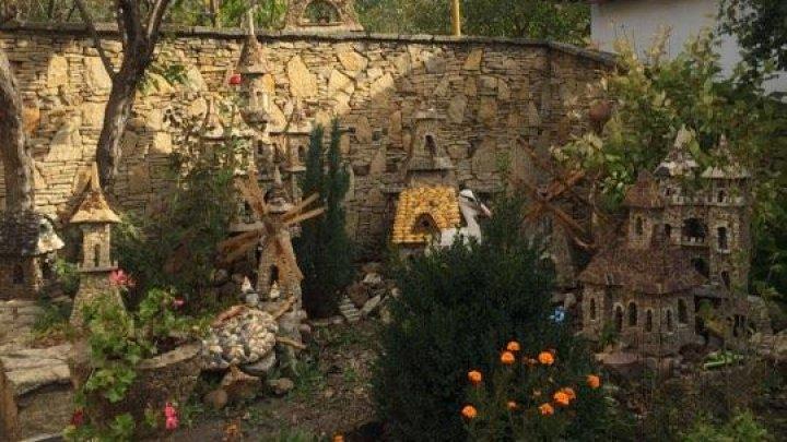Are mâini din aur! Un meşter din Criuleni reproduce în miniatură clădiri celebre din întreaga lume
