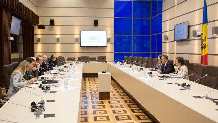 Andrian Candu a discutat cu experții Comisiei de la Veneția despre cadrul legal privind finanțarea partidelor politice
