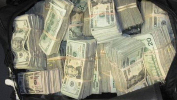 JAF DE PROPORȚII LA MOSCOVA. Hoții au furat un rucsac cu 200 de mii de dolari
