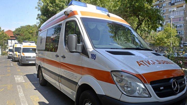 Incident la o școală din Brăila. Şaptesprezece copii au ajuns la spital după ce au băut antigel