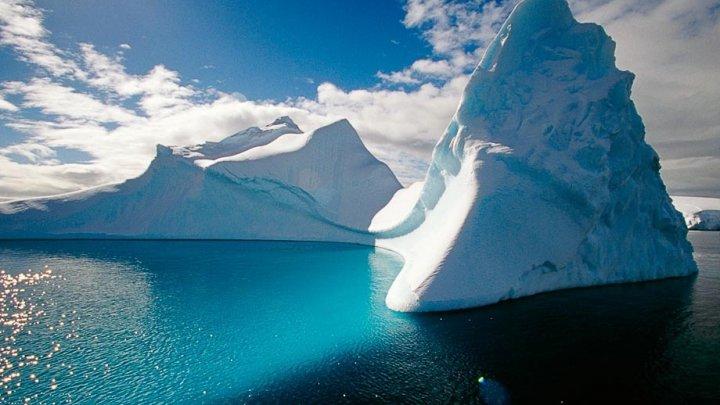 SEMNAL DE ALARMĂ: Stratul de gheață din Arctica s-ar putea subția într-un ritm mai rapid decât se estimase