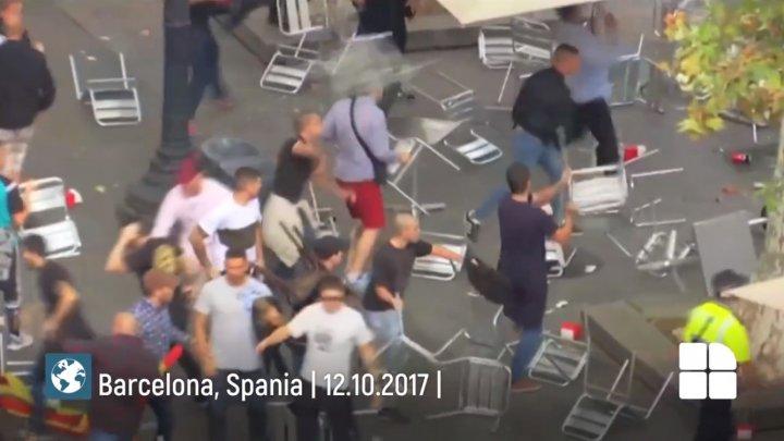 PUBLIKA WORLD: Bătaie în toată legea la Barcelona, de ziua independenţei Spaniei (VIDEO)