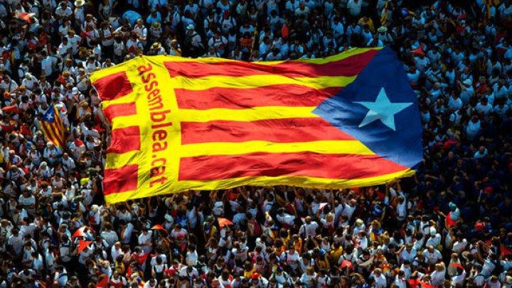 Ultimele 24 de ore de aşteptare pentru catalani. Carles Puigdemont trebuie să se pronunțe cu privire la independența Cataloniei