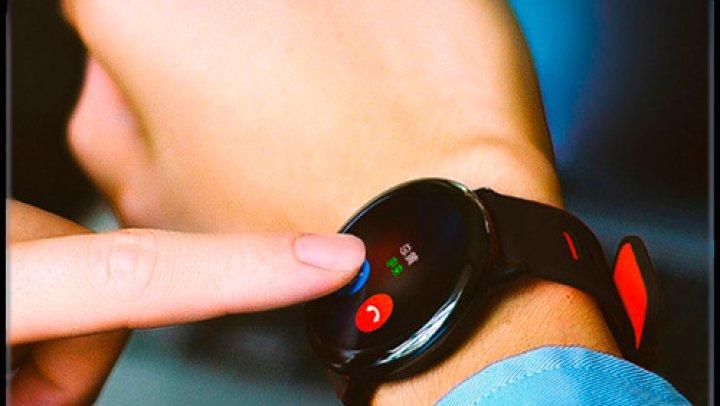 AVERTISMENT: Ceasurile inteligente concepute pentru a-i ajuta pe părinți să-și supravegheze micuţii, UN PERICOL pentru copii