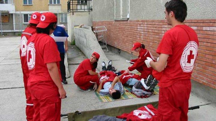 Crucea Roşie își va reduce DRASTIC operațiunile în Afganistan, după ce mai mulţi angajaţi au murit în urma atacurilor