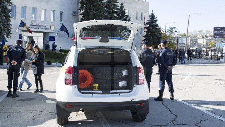 Poliţiştii au primit 54 maşini noi.  Cum arată maşinile de poliţie şi ce dotări au (FOTO)