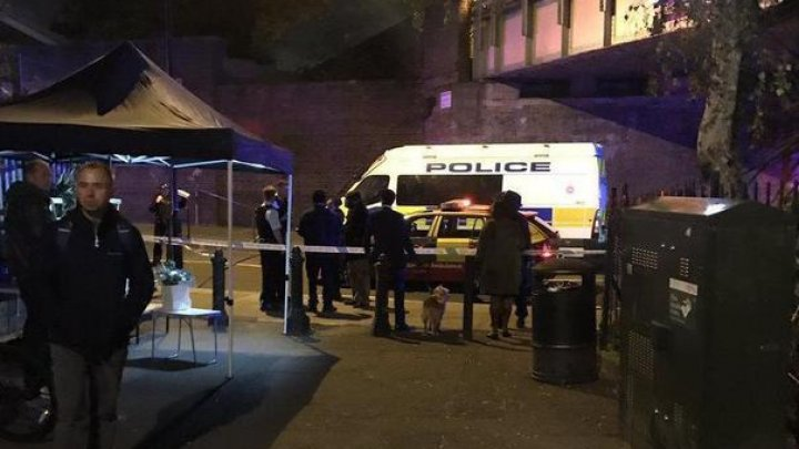 Atac în metroul din Londra: O persoană a murit, iar două sunt rănite, după ce au fost înjunghiate