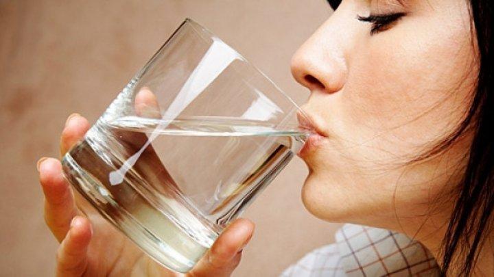 Îți este sete mereu? Ce boli se ascund în spatele acestui simptom