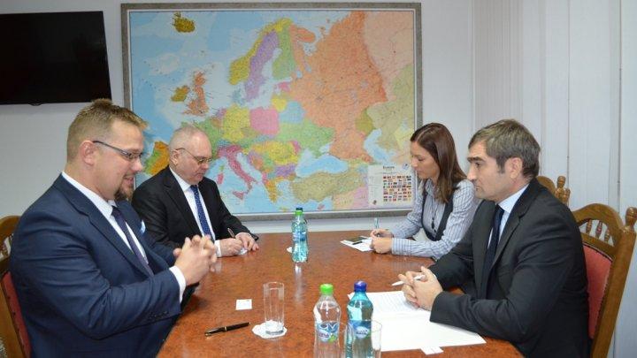 Viceministrul de externe Lilian Darii a avut o întrevedere cu ambasadorul agreat al Poloniei, Bartolomiej Zdaniuk