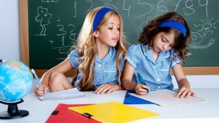 Educația sexuală în școli, interzisă prin lege în România