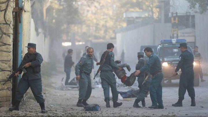 Cel puțin trei morți și zece răniți, după o EXPLOZIE PUTERNICĂ în cartierul diplomatic din Kabul