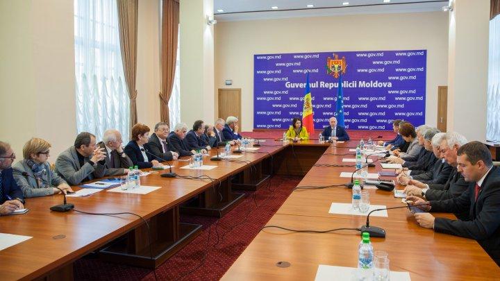 """Premierul către academicieni: """"Mizăm pe consultanța și expertiza dumneavoastră în procesul de modernizare a Moldovei"""""""