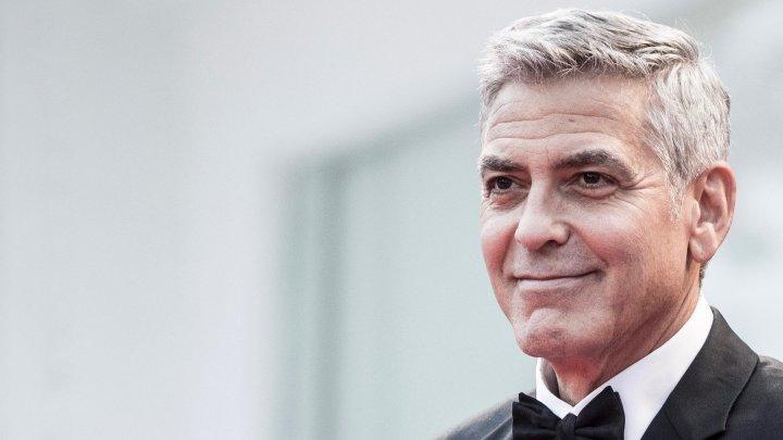 Actorul şi regizorul american George Clooney revine într-un nou serial TV