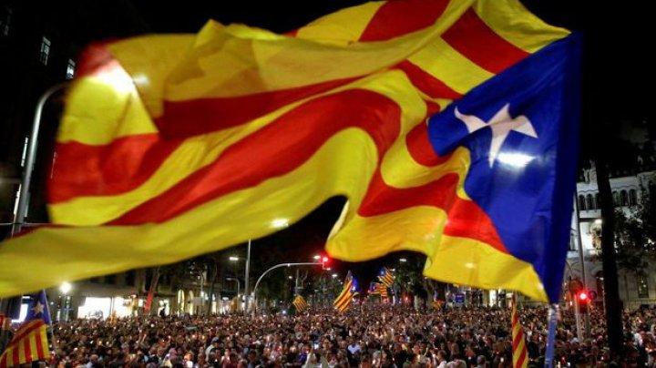 Catalonia este la un pas să-și piardă autonomia. Ce înseamnă acest lucru