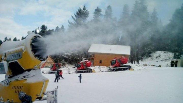 Dacă vrei să mergi la munte în România, atunci trebuie să ştii că din 1 noiembrie va fi iarnă în toată regula în Poiana Braşov