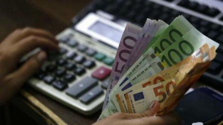 Doi foști miniștri din Slovacia, condamnați la închisoare pentru fraudarea unei licitații