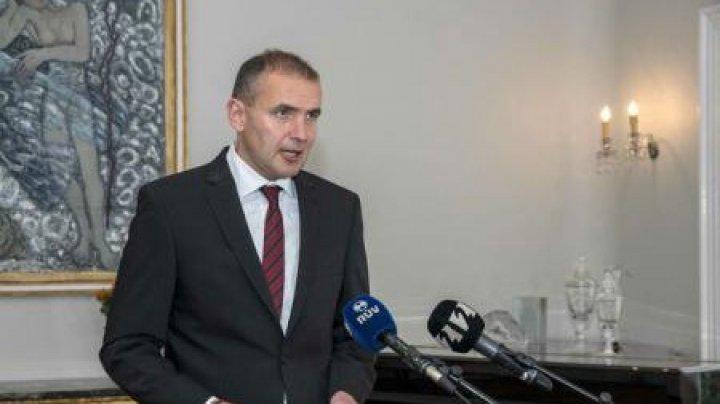Președintele Islandei și-a spart nasul în baie. Cum a reușit