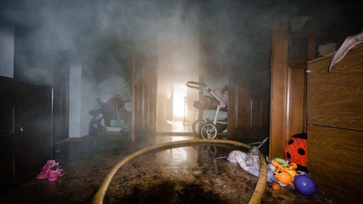 Explozie de gaz în Prahova. Printre răniți se află și un bebeluș de o lună