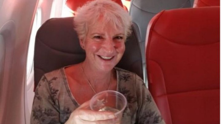50 de euro pentru o călătorie de lux. Experienţa unei femei care a fost singurul pasager la bordul unui Boeing 737 (VIDEO)