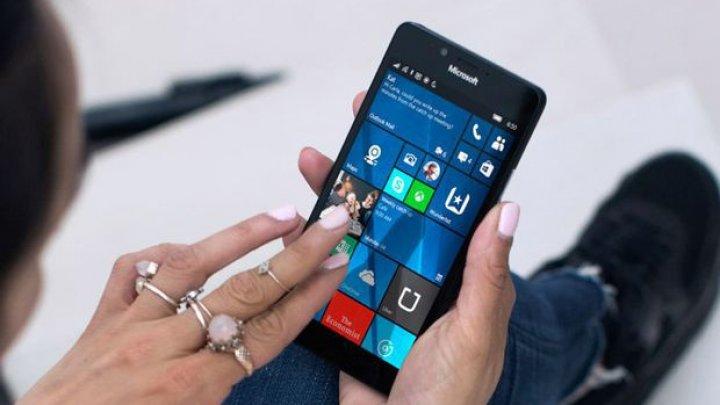 Microsoft a anunțat că Windows Phone a murit. Ce s-a ales cu Nokia