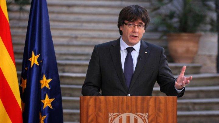 Fostul lider catalan, Carles Puigdemont, a părăsit Spania pe fondul acuzaţiilor de rebeliune