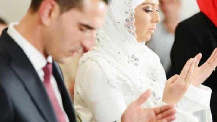 Ce fac musulmanii în dormitor în noaptea nunţii. Obiceiul care a șocat pe toată lumea