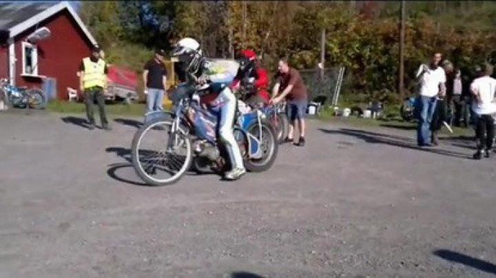 CURSĂ EXTREMĂ CU TRICICLETE. Competiţia Trike Strike s-a disputat pe un traseu montan
