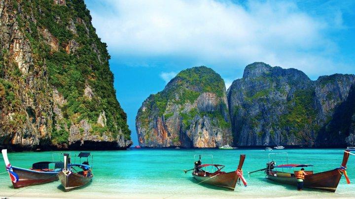 Ce rişti să păţeşti dacă fumezi pe cele mai frumoase plaje din Thailanda