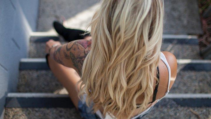 Nuanţa de blond pe care nu ar trebui să o încerce nicio femeie (FOTO)