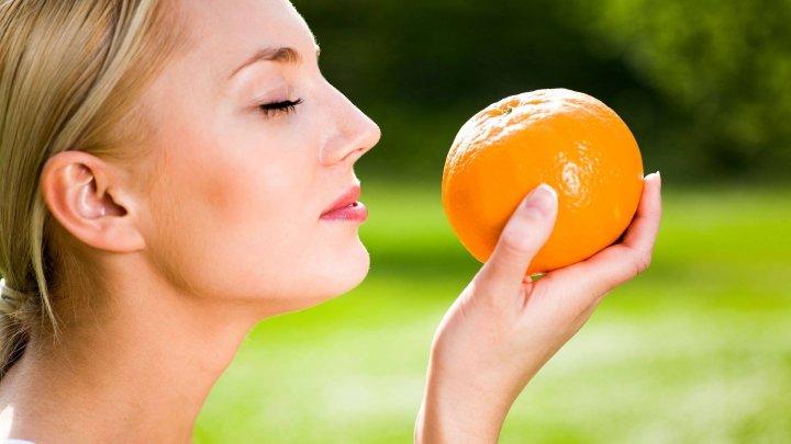 Avertismentul specialiştilor: Pierderea mirosului poate prezice riscul de apariţie a unei boli a secolului