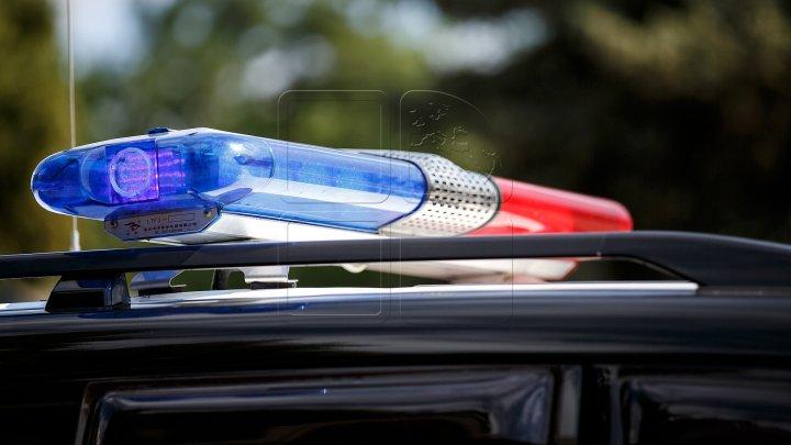 FINAL NEAŞTEPTAT! Ce a făcut un tânăr după ce a fost urmărit mai bine de 30 de kilometri de poliţişti (VIDEO)