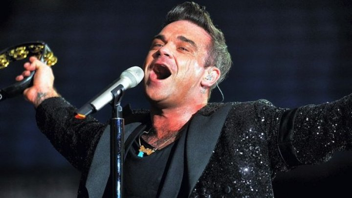 Interpretul Robbie Williams, care şi-a întrerupt turneul mondial, se află în convalescență după ce a fost internat la terapie intensivă